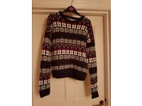 CHRISTMAS JUMPER SIZE 8 WITH LOTS OF SPARKLES AND XMAS DESIGNS (EXCELLENT CONDITION)