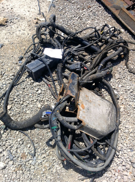 isuzu nqr gmc w wiring harness parts accessories hamilton isuzu nqr gmc w5500 wiring harness parts accessories hamilton kijiji