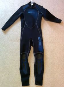 3mm Wet Suit, diving fins and boots