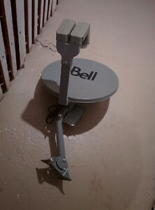 "Bell ExpressVu 18"" dual LNBF satellite dish with SW44 $70"