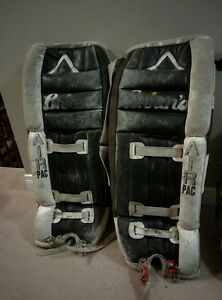 "30"" Brian's Air PAC goalie pads and cooper trapper"