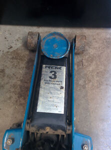 3 ton jack in good cood condition