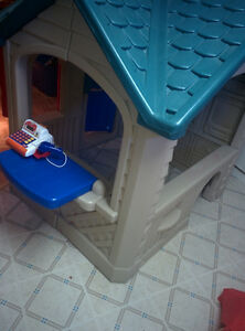 FS: Little Tikes Imaginesounds Playhouse