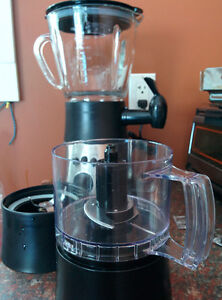 Easy Pour Blender and Food Processor