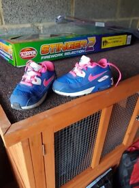 Girls nike air max trainers