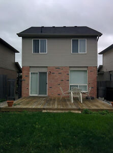 $1,400 - Hyde Park 3 Bedroom 1.5 Bath house in Nor'West London London Ontario image 6