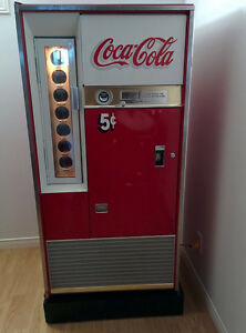 Machine COKE réfrigérateur antique Coca-Cola VENDO 63