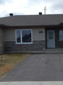 Newer Garden Home, Hunters Gate Sub-Division Renfrew Ontario