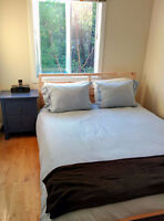 ★★★★★ ROOMATE NEEDED in 2 BR -METRO JOLIETTE from NOW - April