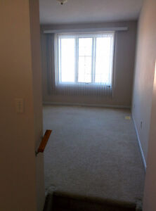 $1,400 - Hyde Park 3 Bedroom 1.5 Bath house in Nor'West London London Ontario image 8