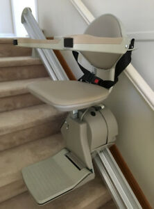 Bruno SRE3000 Stairlift - Working!