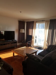 Vaudreuil Luxurious Condo luxueux  4 1/2 a louer rent May 1 Mai