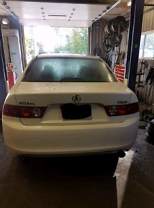 2004 Acura TSX - selling parts only **
