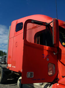 2004 FREIGHTLINER COLUMBIA CAB ASSEMBLY