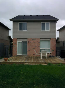 $1,450 - 3 Bedroom 1.5 Bath house in Nor'West London London Ontario image 6