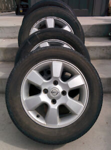 15 inch Nissan mag rims