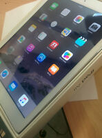iPad Air Crome And White - 16G Comes With Box And Charger 375$