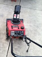 Small Toro 3.25 hp snowblower with electric start could drop off
