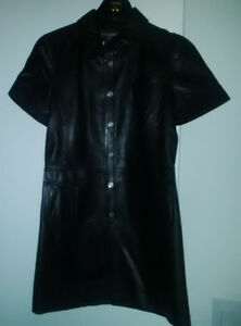 CHANEL   Long jacket in black leather  Size 36/38 FR