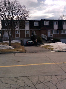 Town House for Rent in Dollard-des-Ormeaux