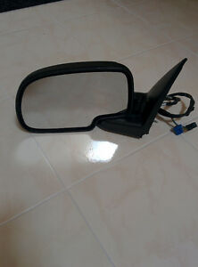 03 04 05 06 GMC Sierra/Yukon OEM Side Mirror (Driver Side) Power