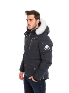 IN NEED OF LARGE/XL MOOSE KNUCKLE JACKET PLEASE CONTACT