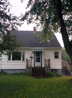 GREAT 3BR DARTMOUTH HOME EX LOCATION 1200/MT PLUS AFTER OCT 1