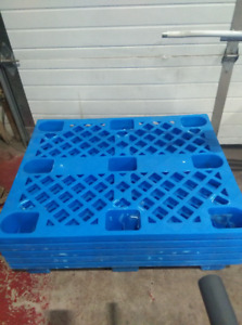 plastic pallets for sale
