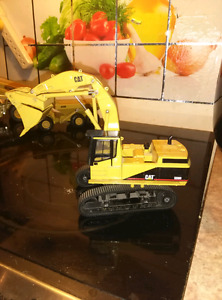 Caterpillar diecast