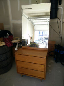 Wooden dresser with 3 drawers and large mirror