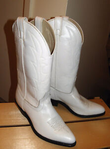 Hand Made High Quality Ladies Laredo Cowgirl Boots !!!