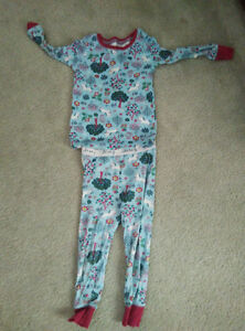 Sleepers and pyjamas for toddler 18-24 month -- 7 piece in total Gatineau Ottawa / Gatineau Area image 1