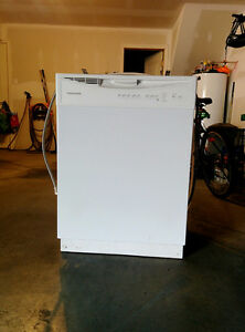 Lave-Vaisselle/Dishwasher - Frigidaire - Only 1 year use 300$
