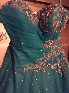 Beautiful Ball Gown Prom Dress! Cornwall Ontario image 5