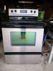 Whirlpool stainless electric range