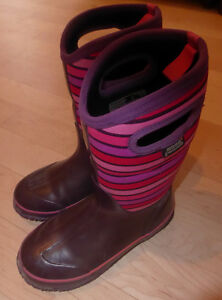 BOGS winter boots, youth size 4, good condition