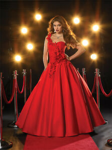 Prom Dress / Princess Ball Gown - Size 12 - Panoply 14365 Red