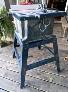 """Mastercraft 10"""" Table Saw with stand"""