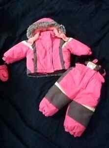 Girls snowsuit size 12 months with mittens London Ontario image 1