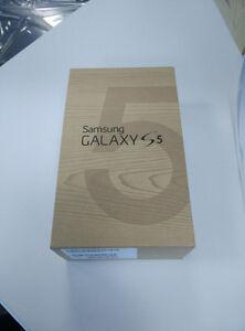 SAMSUNG GALAXY S5 BRAND NEW SEALED BOX. UNLOCKED. ORIGINAL