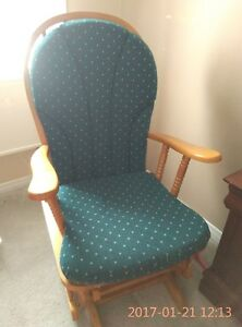Gliding/rocking chair with ottoman