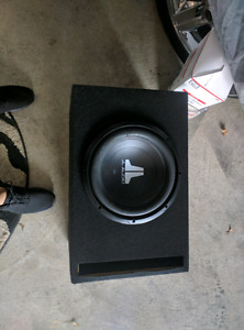 12 INCH JL AUDIO SUB WITH BOX FOR 120$!