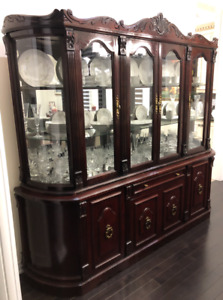 Cherry Wood Dining Room Set w/8 Chairs, Buffet & Hutch