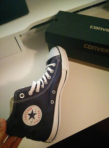 CONVERSE ALL STAR HI NAVY - BRAND NEW IN BOX
