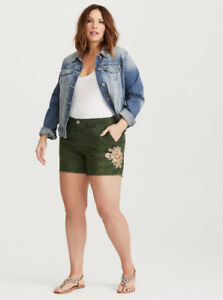 Torrid Floral Camo Twill Shorts Size 20 - NEW WITH TAGS