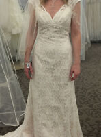 New Ivory/champagne lace wedding dress and ivory veil