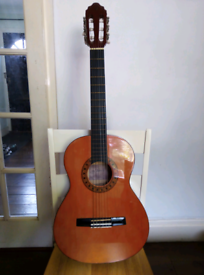 VALENCIA CLASSICAL GUITAR; MODEL CG160; 3/4 SIZE; WITH STAGG CARRYING