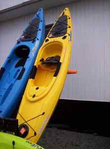 Sit-in Kayak ( 12' Aruba with Paddle) SALE