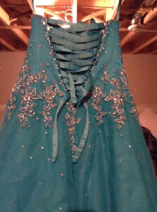 Beautiful Ball Gown Prom Dress! Cornwall Ontario image 3