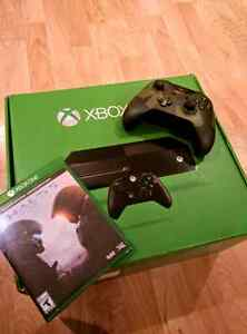 Xbox One (500 GB) 2 Controllers + 1 Game + Headset